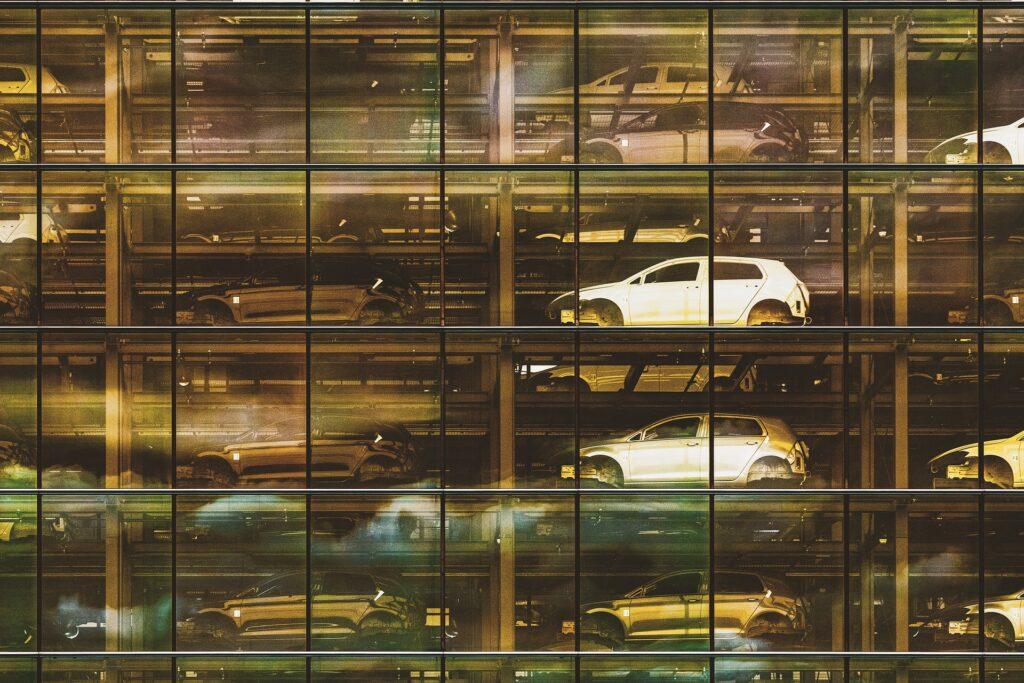 Modelo de acopio en fábrica de automóviles - referencia a industrialización de construcción